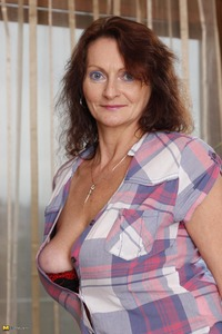 mature galleries large cjqyr bitchmature mature milf