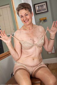 mature granny pics fetish porn mature dee granny sexy moles photo