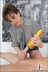 mature hand job pic fets nsonia mature lady giving cfnm handjob fleshlight from sonia