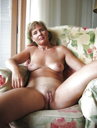 mature housewives photos pics pin
