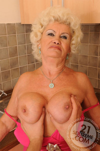 mature ladies in porn gallery lusty mature ladies having boy toys this old young bizarre porn its best