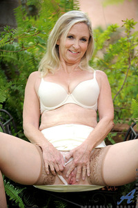 mature mature galleries media mature pussy