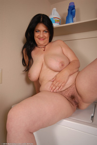 mature milf photos large ekyfw yearsoldpussy busty floppy mature milf saggy