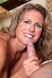 mature milf picture tits blonde hardcore blowjob jade jamison mature milf gives hub some love