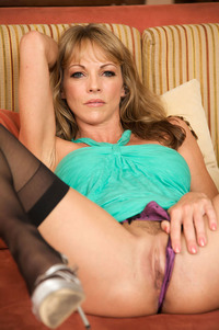 mature milf pussy galleries large lzcrwqaz gorgeous mature milf shayla laveaux plump pussy wearing green dress