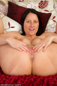 mature milf pussy pics milf porn all over beautiful pulling mature pussy