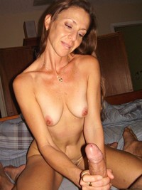 mature milf wdvwecp milf loves stroking via maturemilf