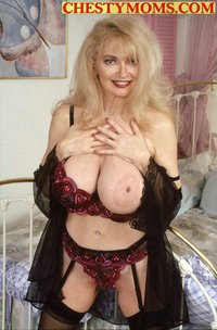 mature mom handjob milf galleries mom handjob picture