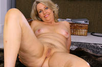 mature mom pic mature porn leah old mom photo