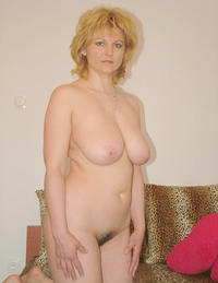 mature mom pic tits porn busty hairy mature mom photo
