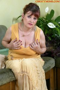 mature mom pics mature mom dick