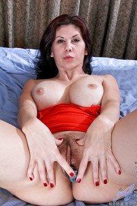 mature mom pics media mature mom got hairy pussy uniform