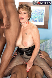 mature mom porn galleries plus milfs mature mom handles black cocks