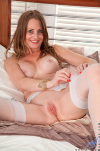 mature mom pussy galleries sofia rae mature mom samples
