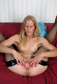 mature mom pussy peterblades tagged users milf mature legs upskirt suggest some