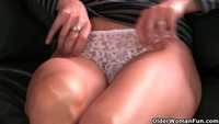 mature mom xxx pictures shemale mature mom