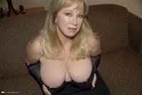 mature mom affiliates usa mature free pictures track picture