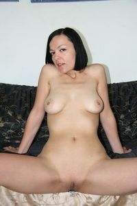mature moms pussy picpost thmbs amateur mom showing shaved mature pussy pics