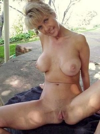 mature moms sex galleries tgp amateur moms getting naked outdoors pics mom galleries