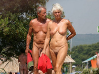 mature nudist pic mature family nudist