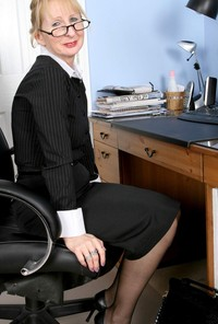 mature office porn pics mature stockings suspenders office
