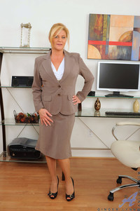 mature office porn pics original gallery mature ginger lynn tames horny pussy vibrating wand toy alone office