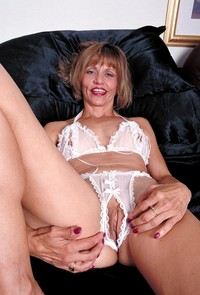 mature panties porn mature crotchless panty ladies