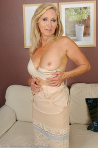 mature pantyhose porn blonde pantyhose mature milf hot show from wrinkled granny