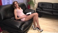 mature porn bids high heels spiele dangling