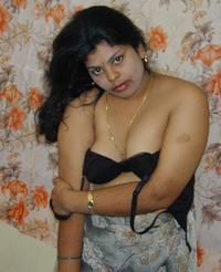 mature porn handjob auntylooks nude indian aunties bhabhi mature milf rainpow porn pictures