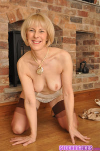 mature porn stockings pictures stocking aces sexy blonde mature stockings