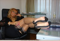 mature post porn mature elegant goddess lady barbara serie footstool lad