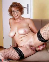 mature puss pic main albums mature redhead wifey displaying puss