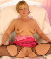 mature pussy pic large bwk mature old milf shirley pussy playing dildo older