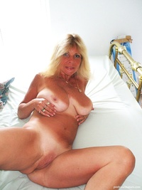 mature pussy porn pic mature albums userpics shaved pussy displayimage