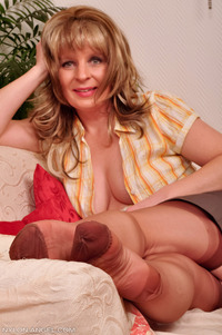 mature sex galleries pictures nylon angel picsa german mature nylons