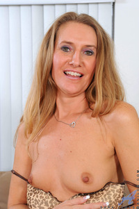 mature sex galleries pictures anilos pics mature sexy milf