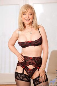 mature sexy mom picpost thmbs sexy mom bralette lingerie pics