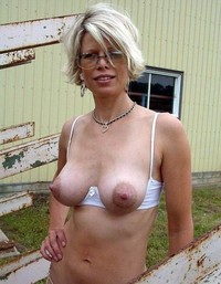 mature sexy moms dev sexy moms