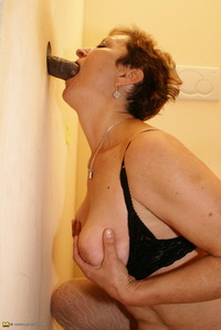 mature slut photos affiliates mature gloryhole galleries pictures track picture