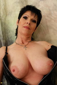 mature sluts gallery free custom galleries milf seniors