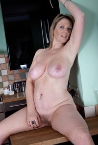 mature tits pics large lynlckjtbfv mature busty milf sophie spectacular tits