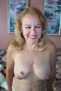 mature tits pictures queen spades