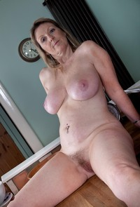 mature tits pictures large lynlckjtbfv mature busty milf sophie spectacular tits