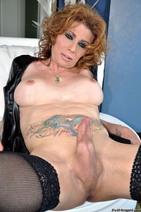 mature tranny porn gallery photo