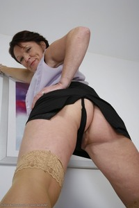 mature upskirt pics photo galleries foxy pussy upskirt mature gallery photos flashes panties spreads