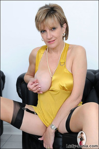 mature wife picture galleries fets nsonia search mature wife