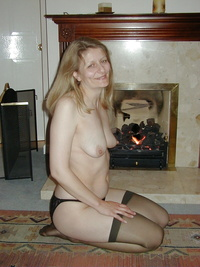 mature wife sexy pics mature wife feels sexy when wears stockings