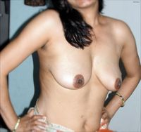 matured porn pics matured desi bhabhi posing nude showing boobs hairy choot ass pics breast