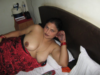 matured porn pics sexy matured milf aunty showing boobs getting ready suck indian nude pussy